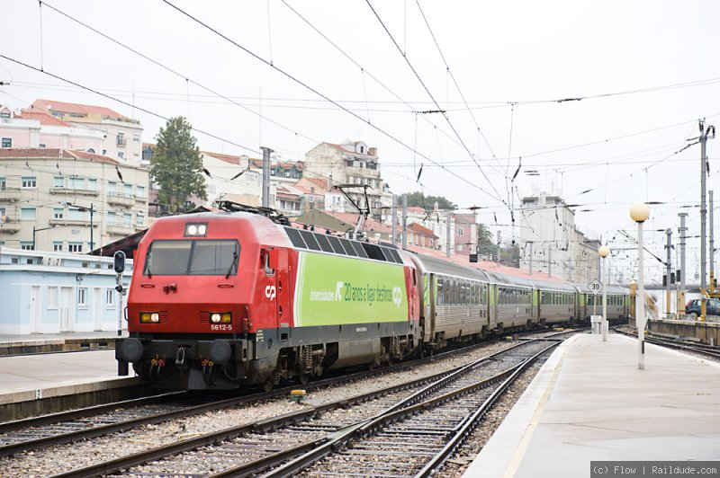 IC from Guimaraes arrives in Lisboa Santa Apolonia