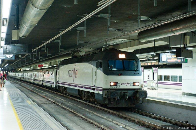 Night Train Barcelona Granada Th 897 Railcc