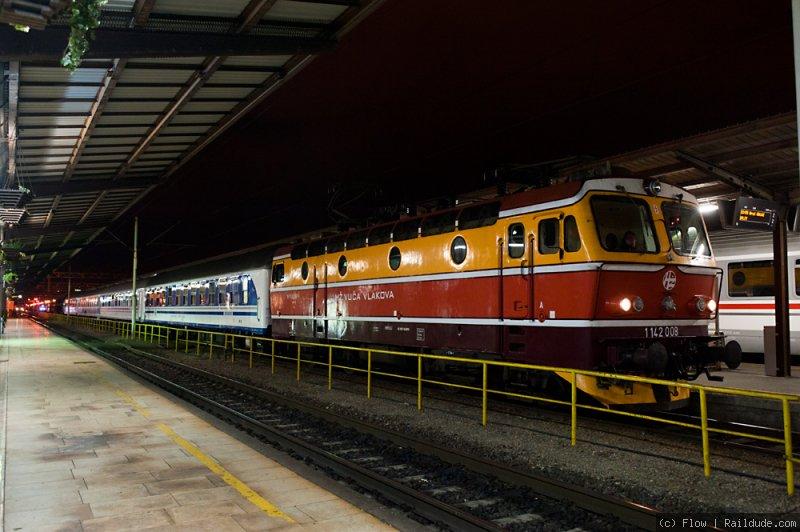 Night Train Zagreb Split B821 Railcc