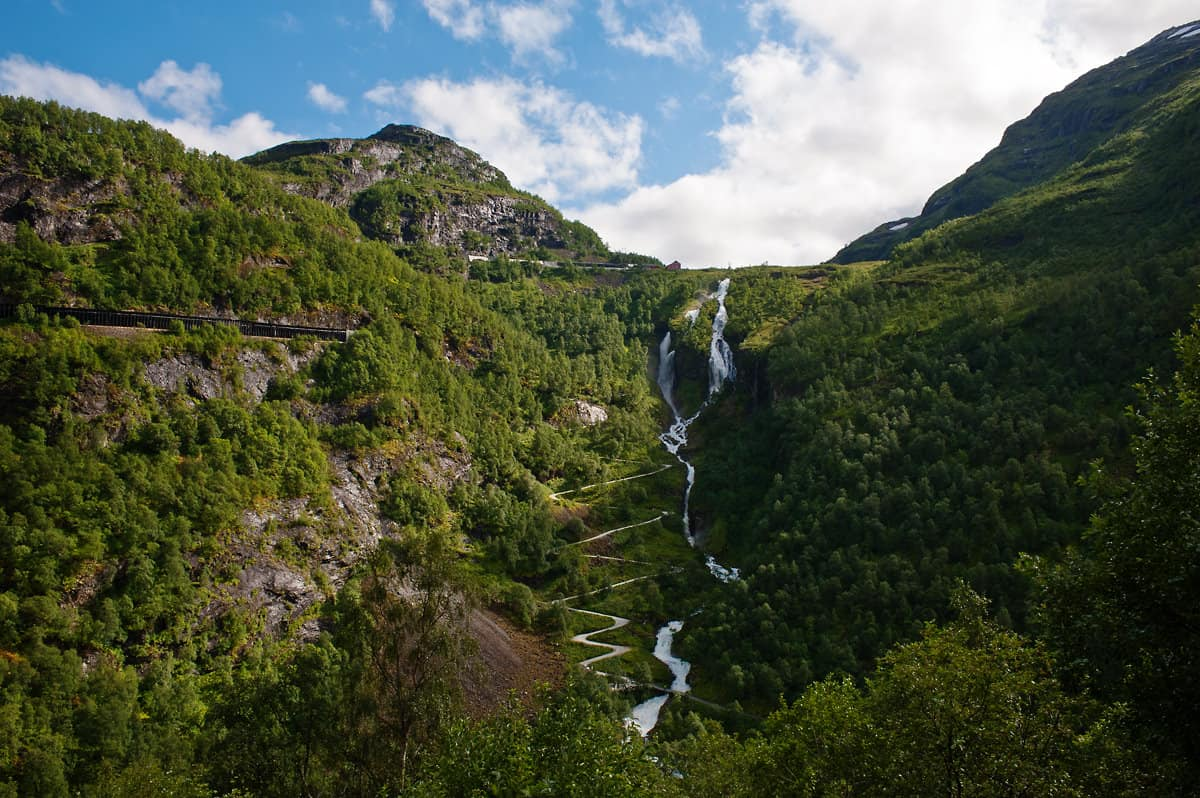 The serpentines of Rallarvegen leading from Flåmsdalen up to Myrdal station.