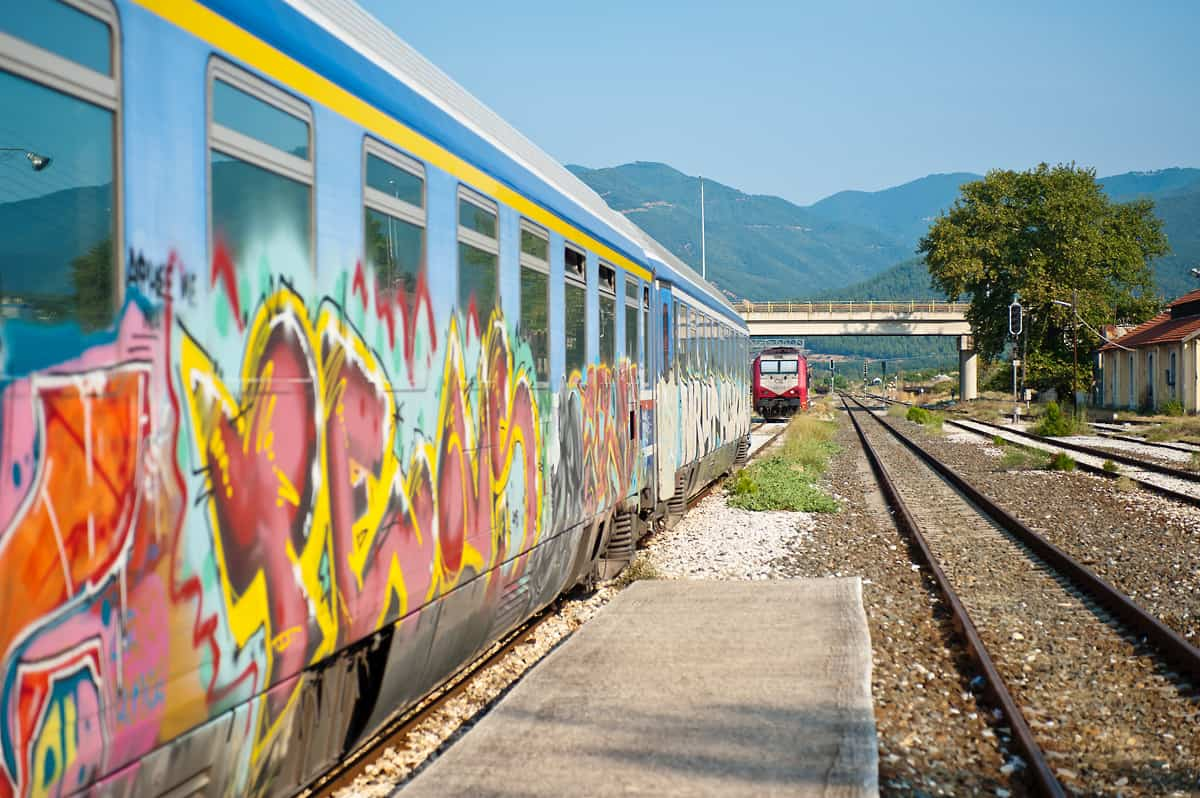 A new loco arrives in Strimon to bring the two coaches to the Bulgarian border.
