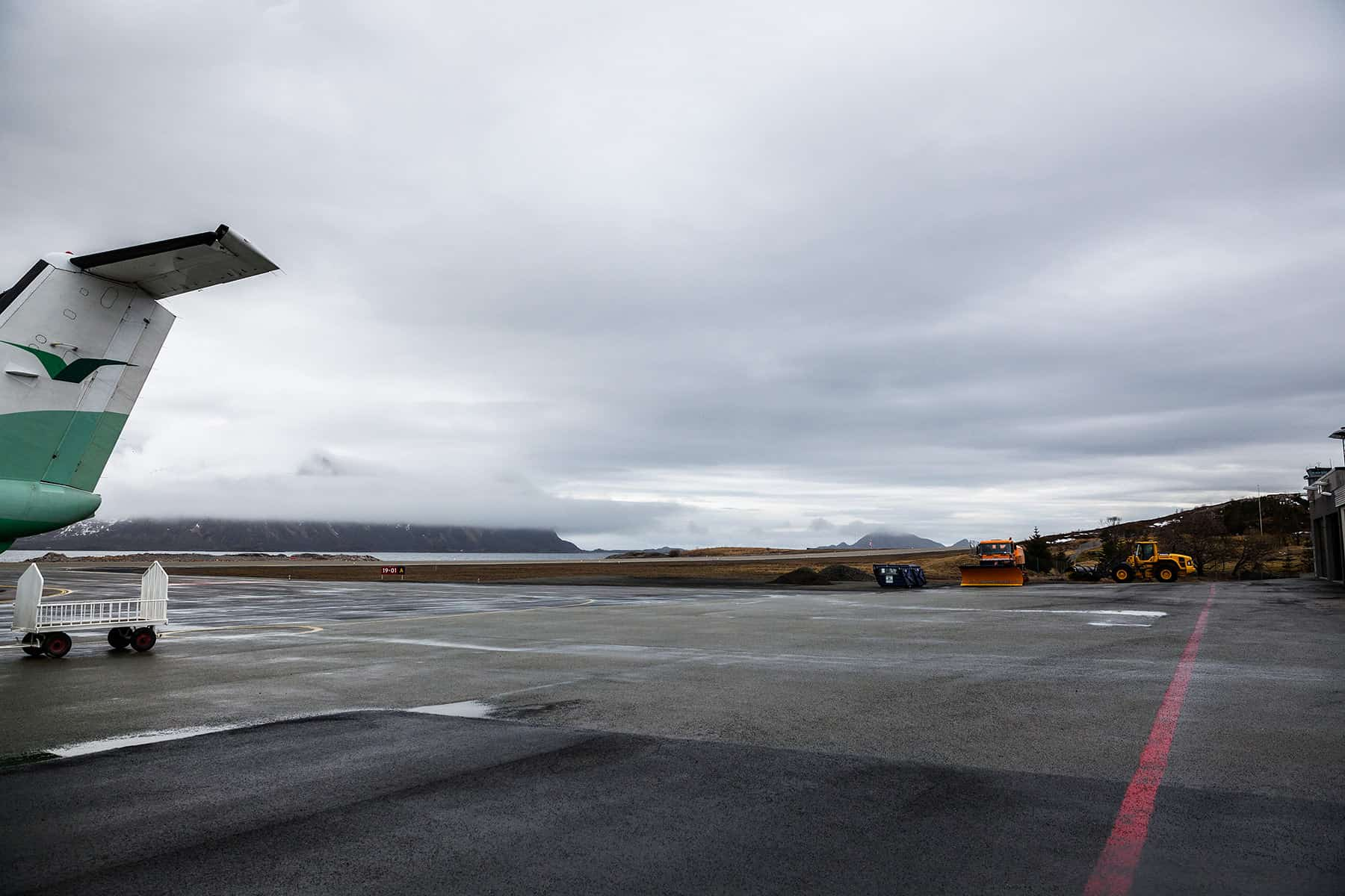 On the runway of the airport Svolvær.