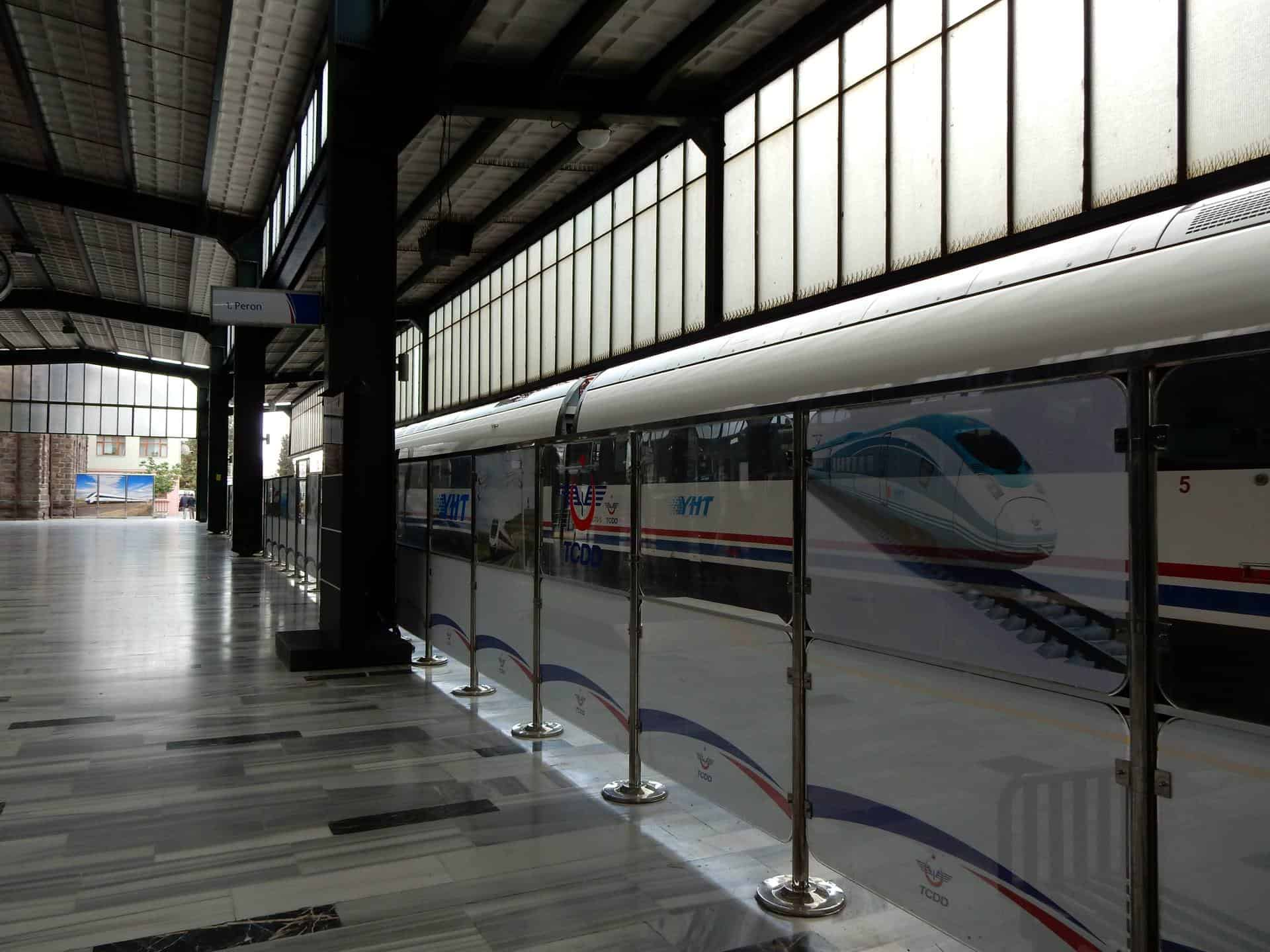 Turkey: high speed train YHT