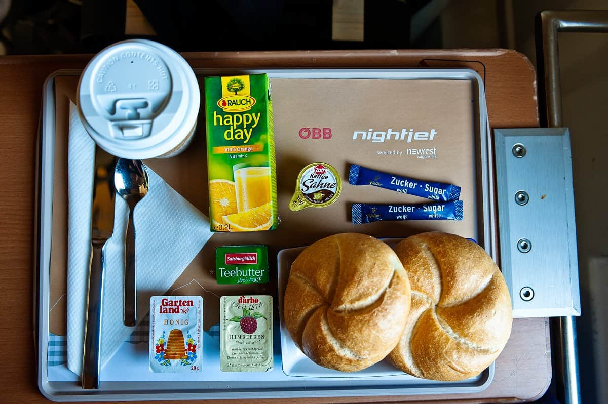 Individually compiled breakfast in the nightjet sleeping car.