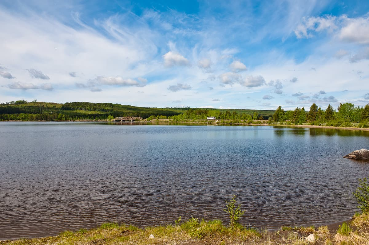 Beautiful day at Kilvamma lake. The travellers to Gällivare still have many hours ahead of them.