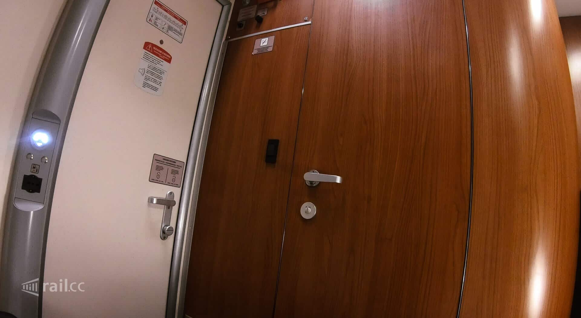 The door in a Thello sleeper compartment. It is possible to lock it from inside, but not from outside.