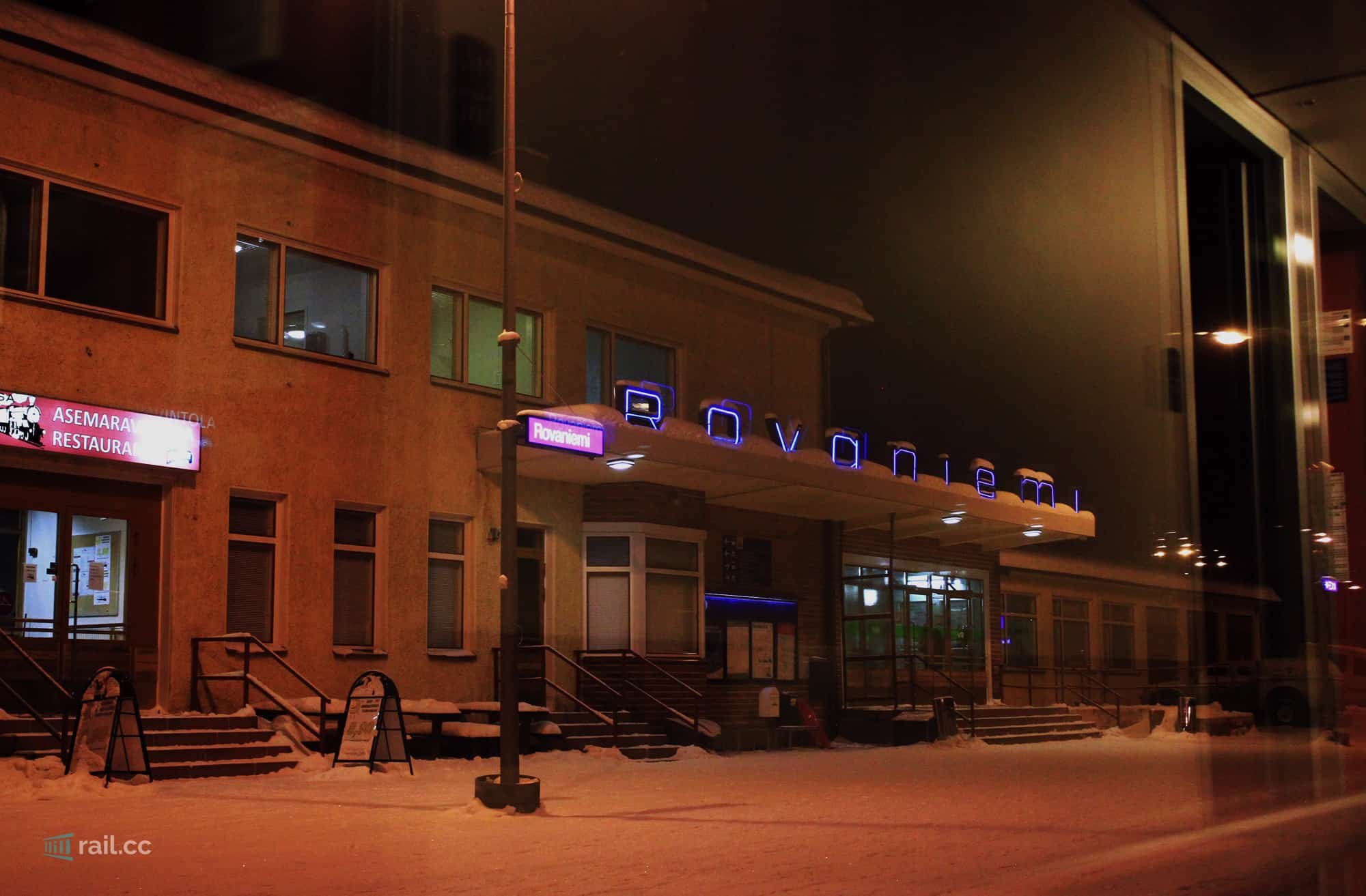 Departure of the VR night train in Rovaniemi on its way from Santa Claus to the ferry in Turku