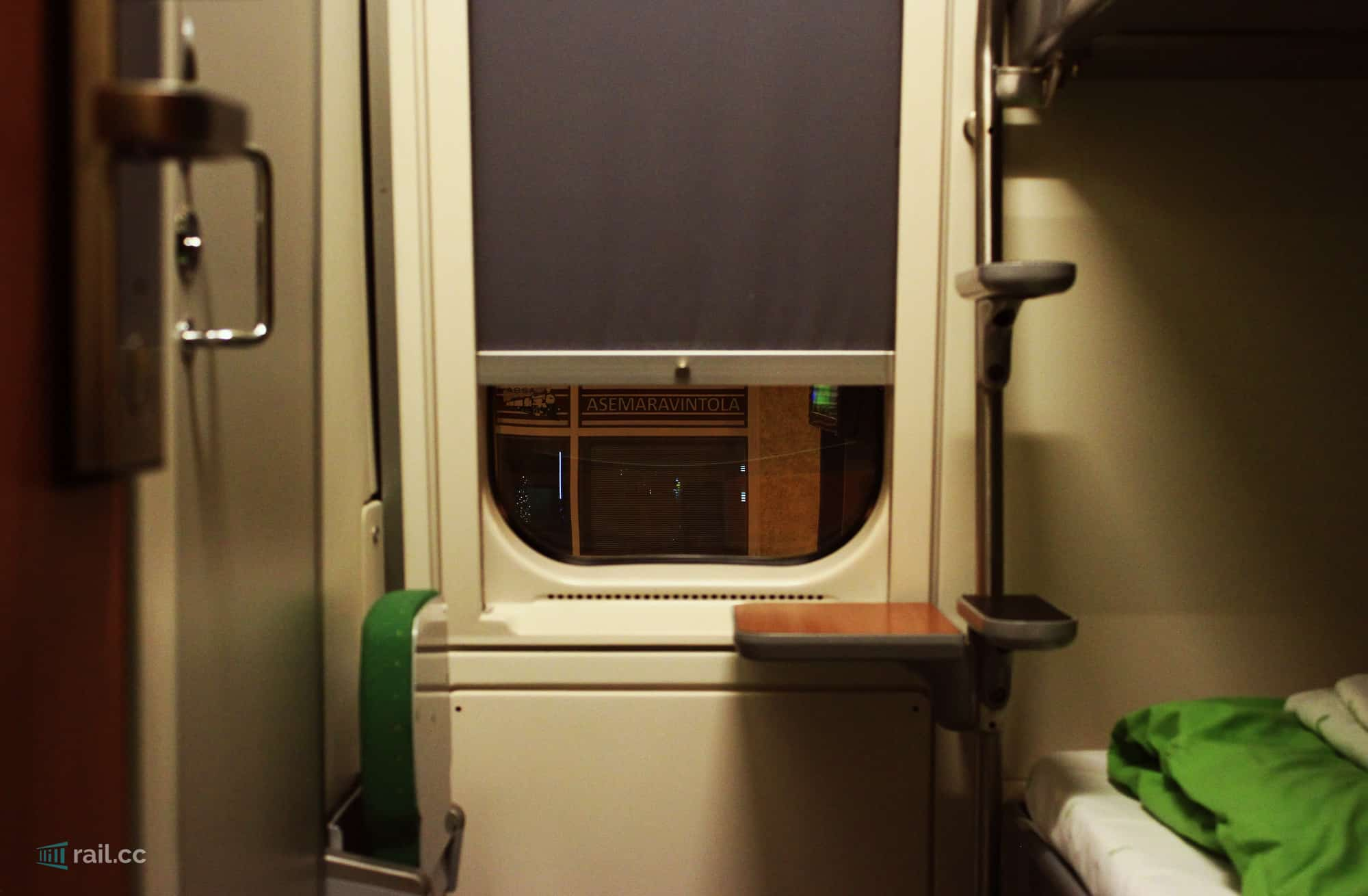 VR sleeper compartment window