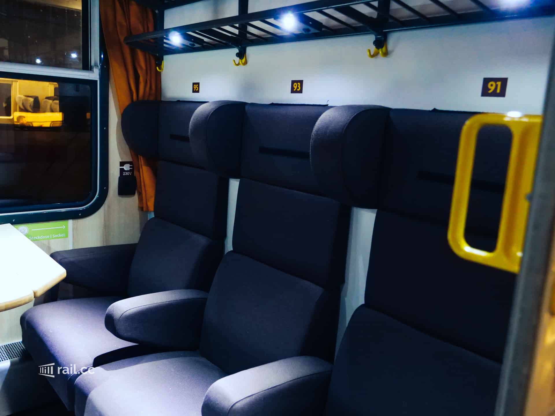 Flixtrain seating compartment