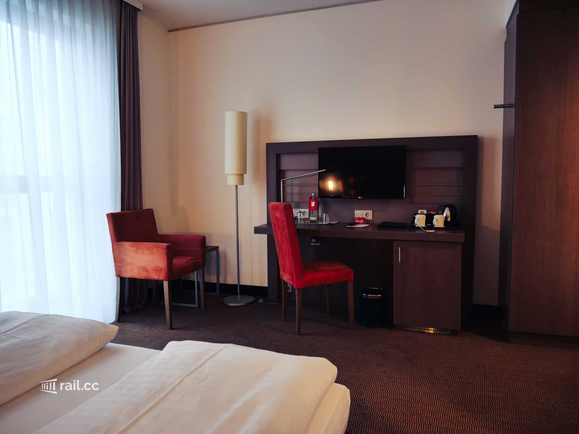 Business Plus room at the Intercity Hotel Berlin