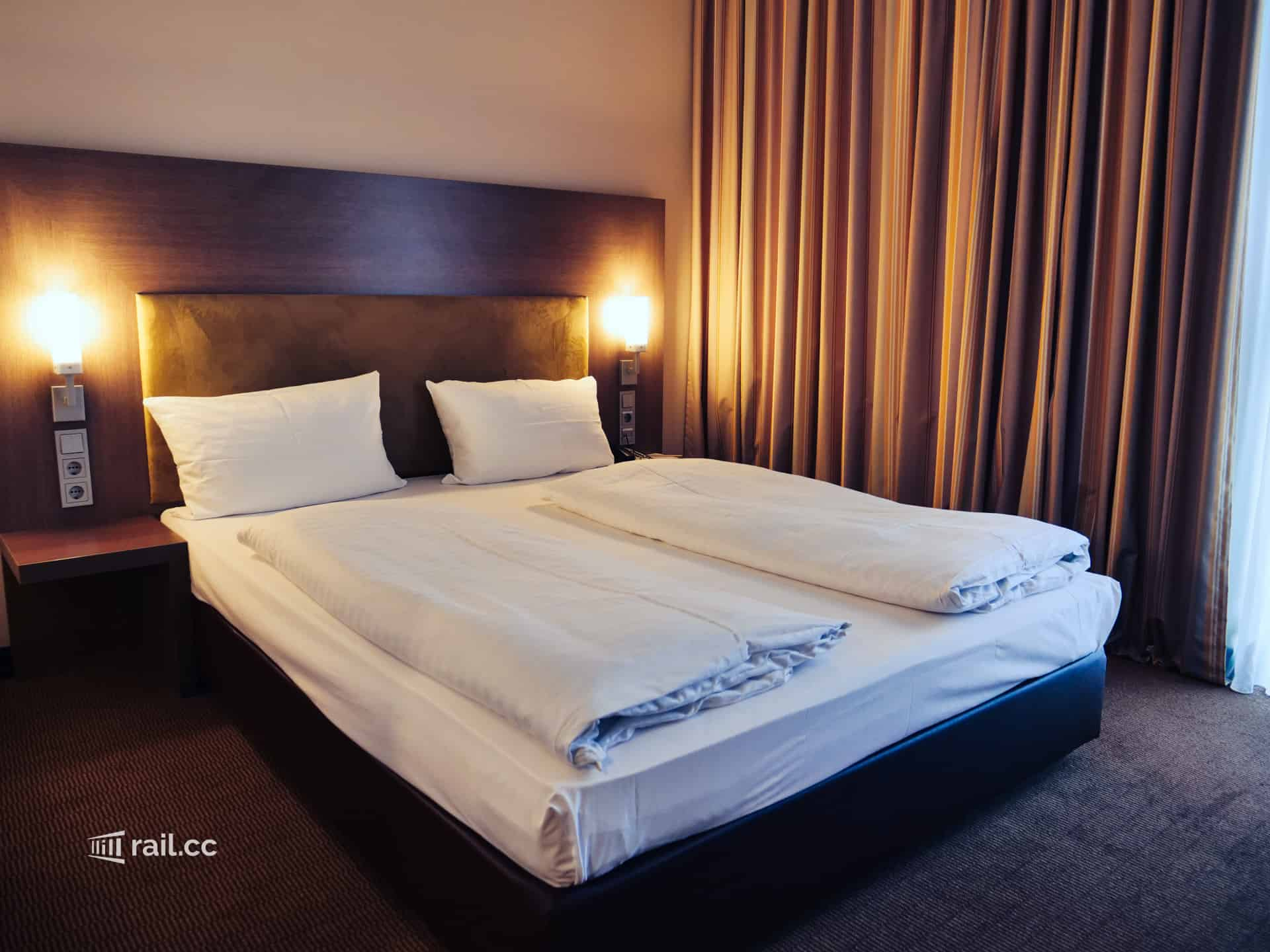 Double bed at Intercity Hotel Berlin