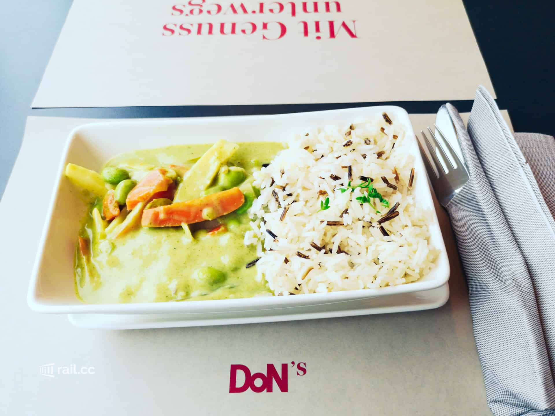 Railjet lunch in the restaurant car: green curry