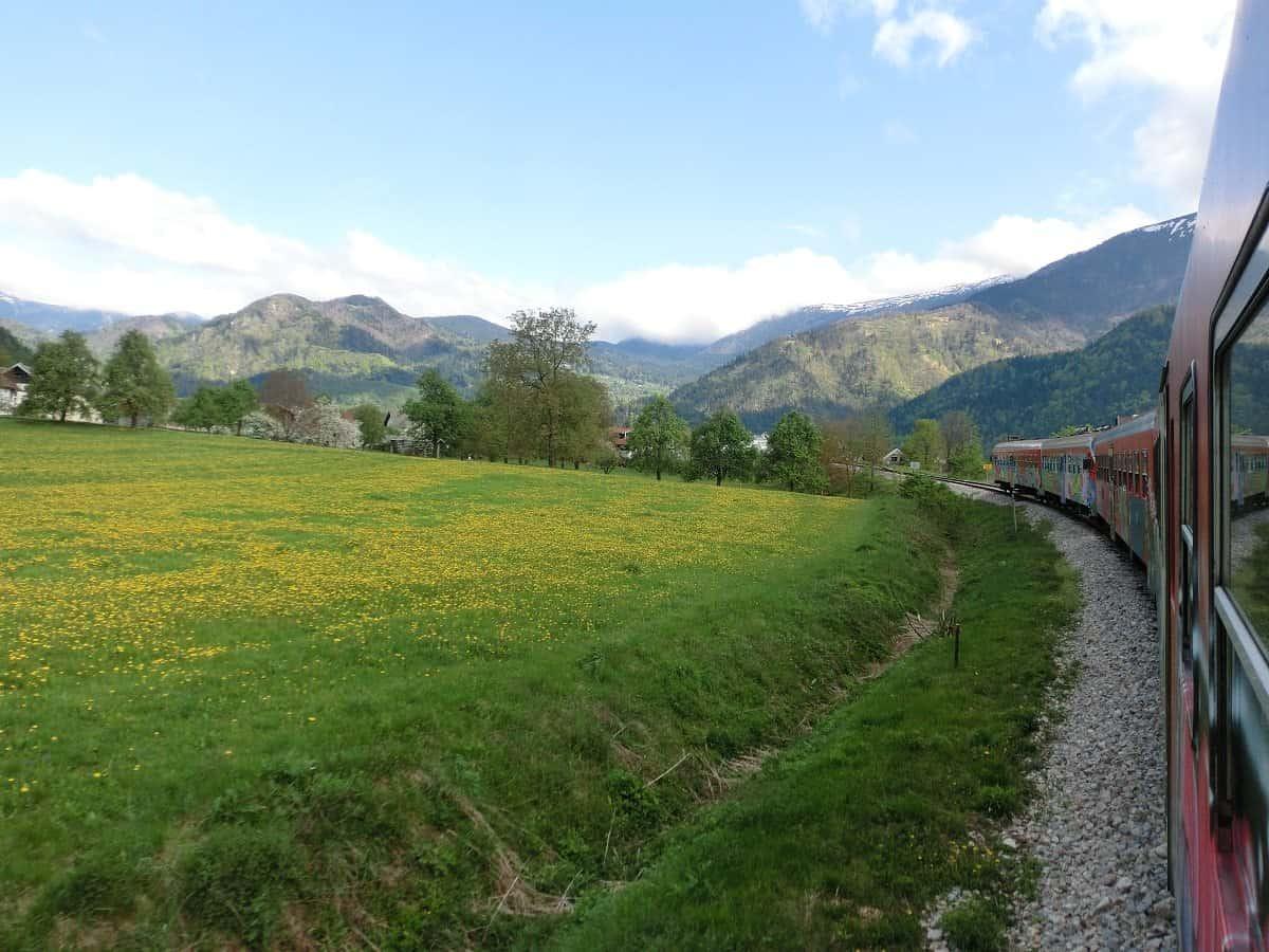 Landschaft an der Bahnstrecke