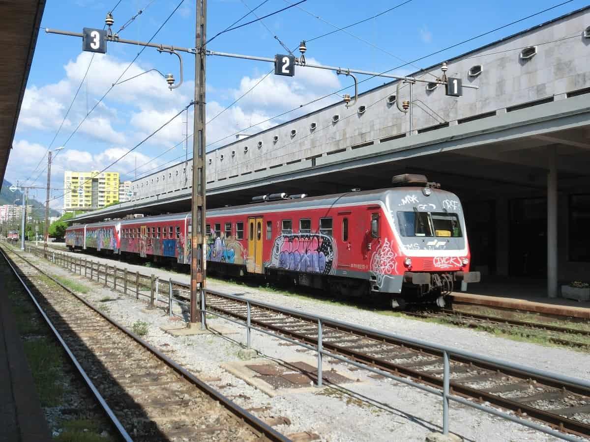 Zug aus Nova Gorica in Jesenice