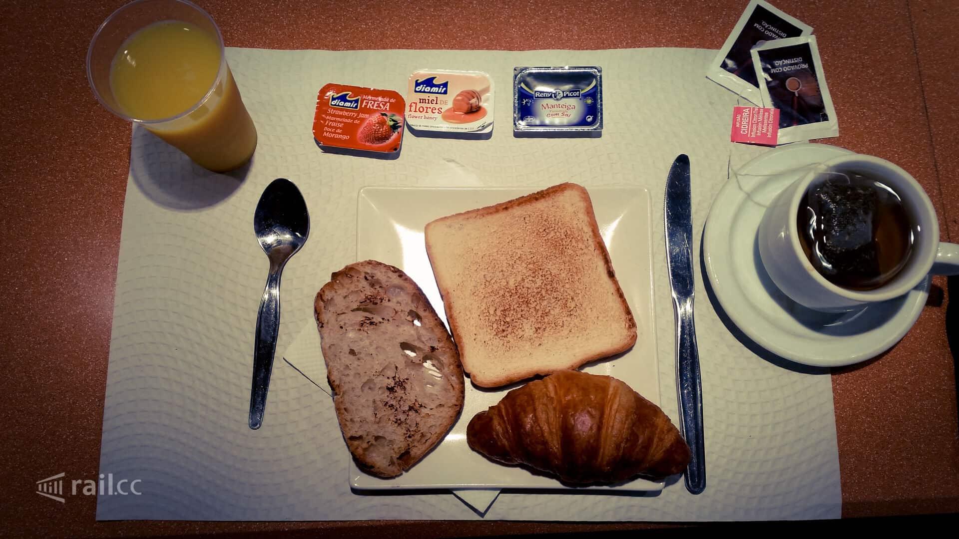 Bestes Schlafwagenfrühstück, was ich je gegessen habe - im Trenhotel der Renfe