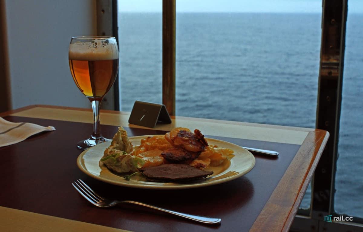 Abendbuffet auf der Vikingline Fähre